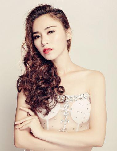 015年最流行小卷发型 女生小卷长发发型图片