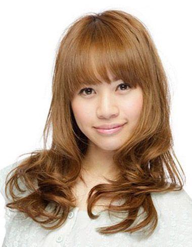 大圆脸适合的发型图片 大圆脸齐刘海长发烫发发型(4)图片