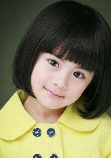 发型设计 儿童发型 >> 短发女童造型妹妹头 小女孩短发发型图片  201图片
