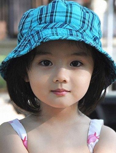 发型设计 儿童发型 >> 短发女童造型妹妹头 小女孩短发发型图片  小图片