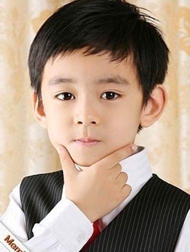 小男孩短发发型 小学男生刘海发型