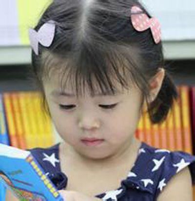 发型设计 儿童发型 >> 小女孩波波头怎么扎简单好看(2)  2015-10-02图片