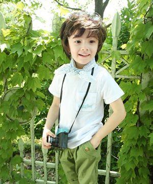 >> 怎么梳好看的儿童发型 流行的男儿童发型  一两岁的小男童头发长的