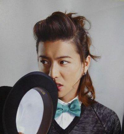 日本男生扎头发发型 各种扎头发型图片图片