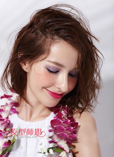 中短小卷发型图 中短发小卷发型图片
