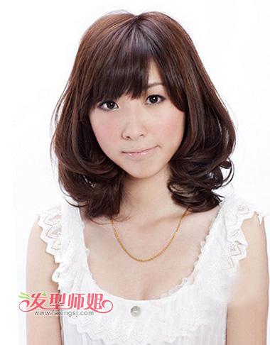齐 刘海内扣梨花头发型,是梨花头中比较偏向于成熟风的一款,年龄层也图片