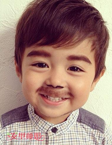 韩国男孩怎么梳短发 最酷小男孩发型图片(2)