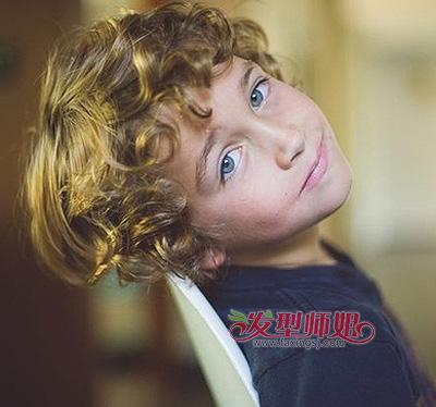4岁小男孩的可爱发型 男宝宝可爱发型图片
