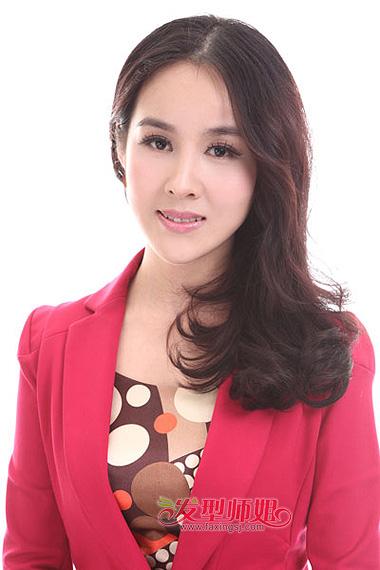 中老年中长发型图片 中长发偏分烫发发型图片(3)
