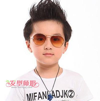 6岁男孩子的可爱发型 宝贝可爱发型男孩(3)