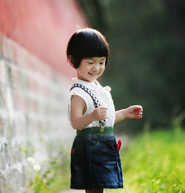 发型设计 儿童发型 >> 女孩好看的发型 女童短发发型图片(3)  2015-11图片
