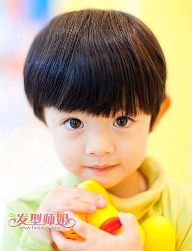 2岁男孩发型图片