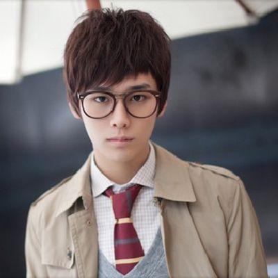 韩式男生学生发型 韩式学生时尚发型图片(4)
