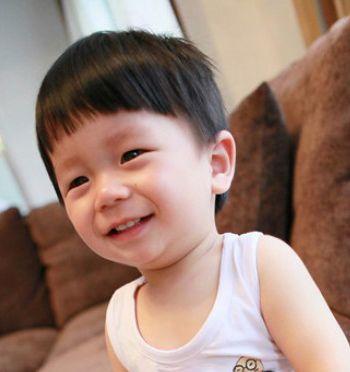 儿童发型男孩西瓜头图片 儿童短发发型图片
