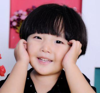 儿童发型男孩西瓜头图片 (350x323)-宝宝西瓜头发型图片,西瓜发