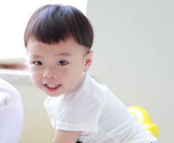 儿童发型男孩西瓜头图片 (350x288)-宝宝西瓜头发型图片,西瓜发