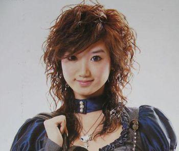 女士中年中短发小卷发型图片 日韩小卷发型