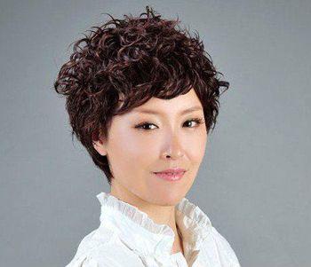 中老年小卷烫发发型-女士中老年发型 中老年发型短发
