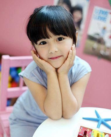 发型设计 儿童发型 >> 2016最可爱发型 小女孩可爱发型  小女孩梳理图片