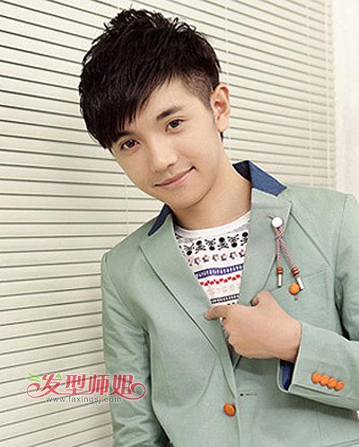 男孩怎么弄斜刘海 男生左边斜刘海图片