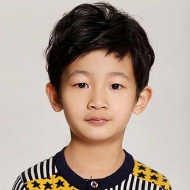 小学生男生发型图集 小男孩梳上学发型图片