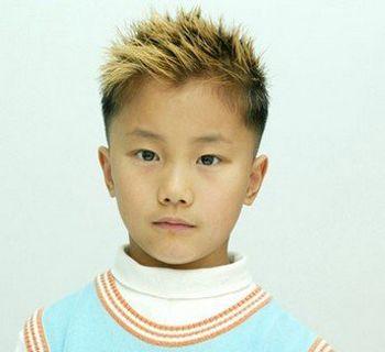 小男孩可爱发型 小男孩时尚短发发型图片(2)