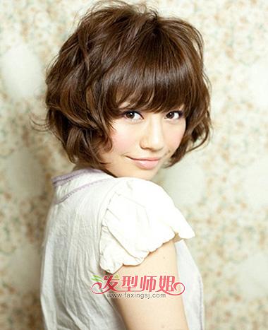 初中女生圆脸短发发型 初中生圆脸眼小怎么梳短发(4)图片