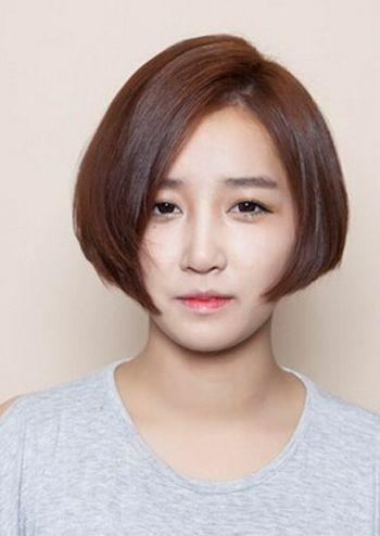 初中女生圆脸短发发型图片(2)