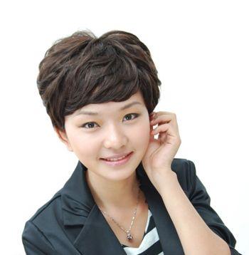 2016圆脸女生流行短发发型 圆脸女士发型短发设计图片