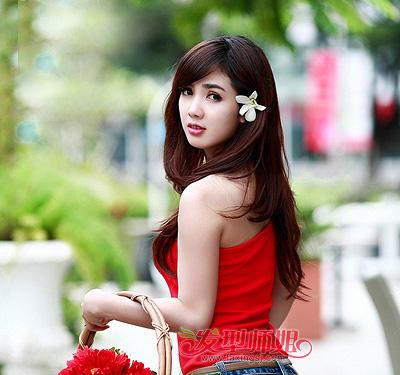 大斜刘海发型 斜刘海直发中发发型扎法(3)图片