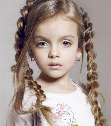 小女孩可爱编发发型