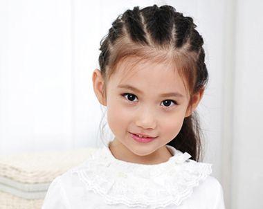 小女孩编头发的发型 小女孩可爱编发发型(4)