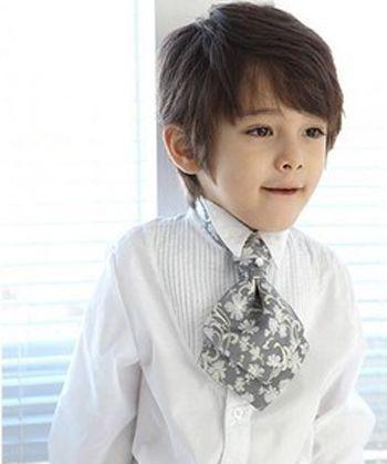 最新男童发型图片 男孩蘑菇头发型(2)图片
