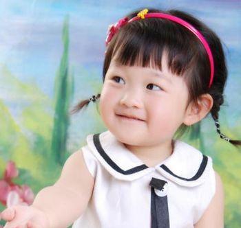 怎样给儿童扎短头发 小女孩扎可爱短发发型(2)