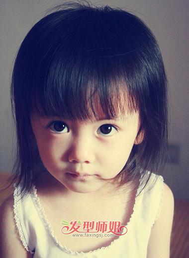 下面几款可爱的 小女孩发型就来供你选择一下