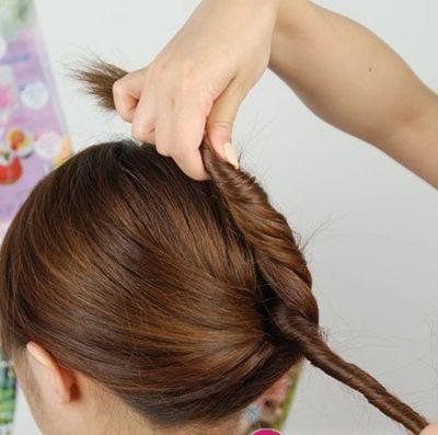 简单易学的盘发发型步骤(3)