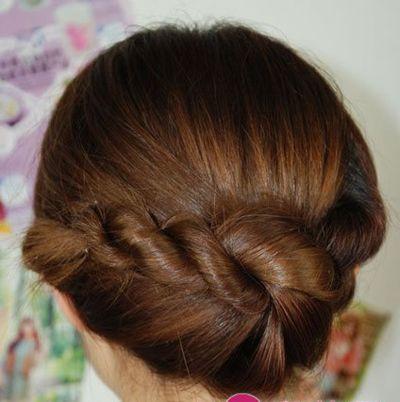 休闲盘发发型图解 简单易学的盘发发型步骤(5)