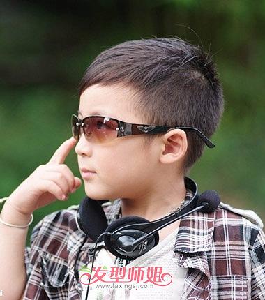 男孩小脸短发发型 小脸适合做什么发型图片