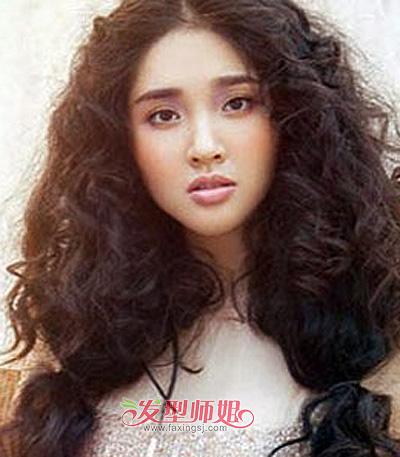 长头发烫螺旋烫好看么 长发小螺旋卷发型图片(3)_发型师姐
