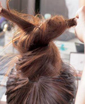 怎样扎花苞头发型 教扎凌乱长头发花苞头(2)图片
