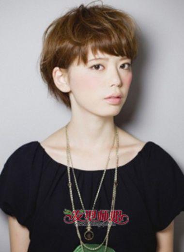女生蘑菇发型 女学生的蘑菇头发型图片