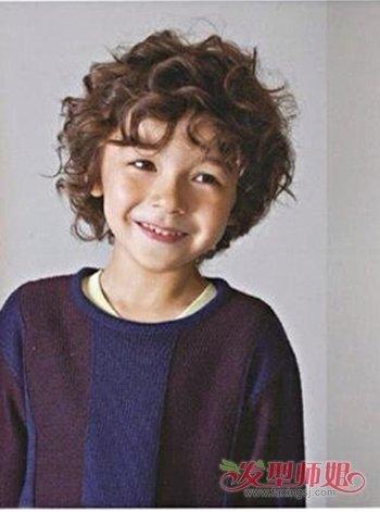3岁男宝宝圆脸发型 男孩3岁宝宝的时尚发型(4)图片
