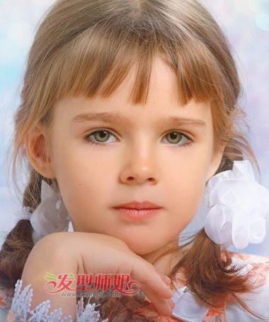 小女孩可爱发型编发方法