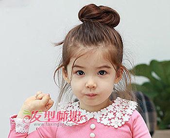 清秀花苞头扎发发型 怎样给小朋友扎花苞头(2)图片