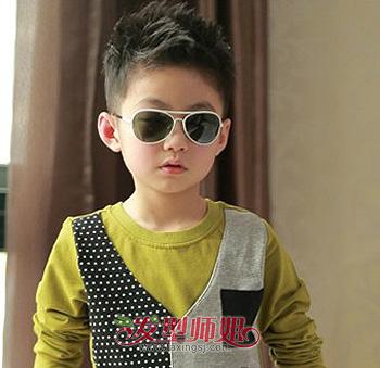 男生圆脸发型大全 男儿童圆脸短发型图片(2)