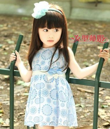 女学生怎样戴发箍 小学生女童发型图片
