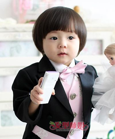 儿童发型 >> 2岁男童时尚发型 2岁男宝宝的时尚发型图片  这款短发让2