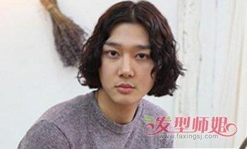 韩版男士中分长发发型 男生优雅中分长发发型图片图片