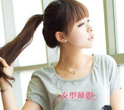 长发直发发型绑扎马尾 初中生女生直发扎马尾发型(4)图片