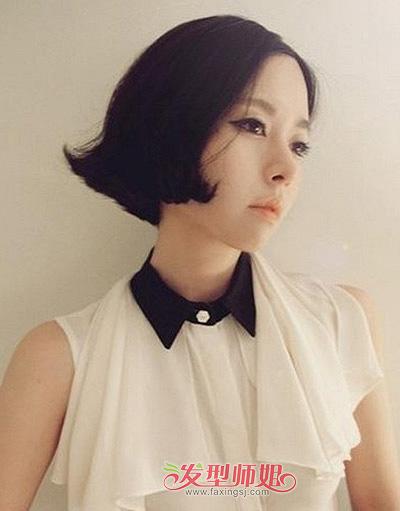 瘦长脸女孩中分刘海黑色短发